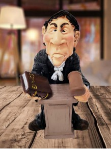 Dekoratif Erkek Hakim Biblosu