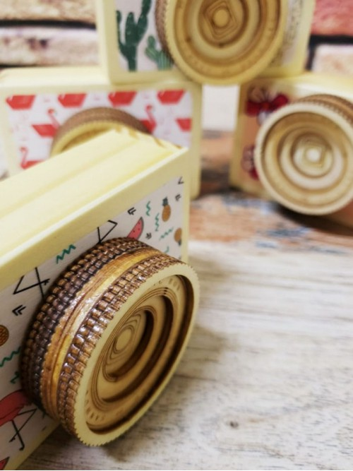 Ahşap Fotoğraf Makinesi Şeklinde Küçük Müzik Kutusu