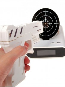 Alarmlı Silah Şeklinde Saat Gun Alarm Clock