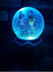 Büyük Boy Kış Masalı Kar Küresi Işıklı Müzikli Ve Motorlu