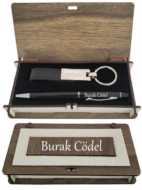 Erkeğe İsme Özel Siyah Dokunmatik Kalem Ve Deri Anahtarlık Kutulu Set