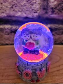 Love Yazılı Mini Sevgililer Temalı Işıklı Kar Küresi