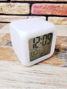 Renk Değiştiren Alarmlı Dijital Küp Masa Saati