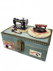 Kilitli Ahşap Dikiş Makinesi Şeklinde Müzik Kutusu